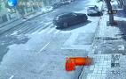 司机伪造事故现场,热心群众报警戳穿