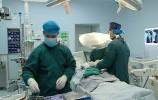 忙碌的手术室