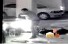济南车主称遭遇最悲催的事 竟有人拿自己摩托砸自己汽车