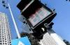 """经济日报:个别地方楼市投机炒作有所抬头 房地产过热城市须""""踩刹车"""""""