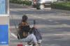 央视:钱被大风刮跑!济南市民的做法亮了