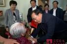 王忠林到养老机构和部分老人家中走访慰问