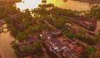 《航拍乐虎国际手机版》中国有一座泉水涌出的城市,还有一泓泉水汇聚的水面