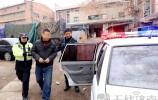刮了三辆车 肇事车跑了 过了三小时 被交警逮了!