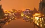 济南市民六成人晚上溜达两小时 赏夜景最爱去泉城广场