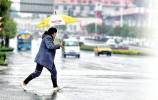 济南迎来降雨降温 发射增雨火箭弹二百余枚