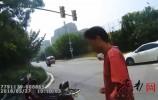 济南男子借朋友报废摩托车骑 驾驶证被吊销
