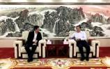 王忠林会见新华社副社长、秘书长刘正荣一行