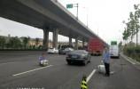 历城区环保局继续对辖区内主要干道的汽车尾气进行路检