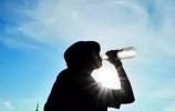 济南市政府应急办提醒:高温时段减少户外活动