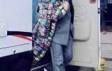 据说在横店有一家神奇的羽绒服店,不仅知晓各路明星八卦,一线大腕们还要排队订制羽绒服!