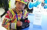 【视频】九岁女孩发明多功能夜用包,背后原因让人动容!