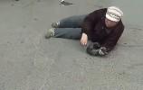 【视频】老太太碰瓷保时捷,车主的做法让所有人惊呆了!