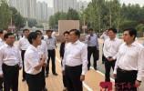 王忠林看望慰问教师 向全市教育工作者致以节日问候