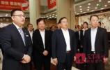 王忠林到金融机构调研 主动上门听取意见建议