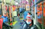 泉城夜未眠!记者蹲点24小时公交,记录夜行人的故事