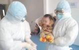 这是山东援鄂医疗队送给最小患者一次特殊的团圆