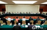 山东代表团举行小组会议 学习习近平总书记重要讲话精神 审议全国人大常委会工作报告
