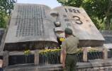 """濟南""""五三慘案""""92周年紀念日 市民紛紛前往五三紀念碑緬懷先烈"""