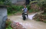 全国脱贫攻坚先进个人 |济南李洪文:摩托车上的驻村第一书记?