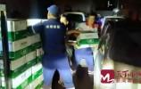 济南多支救援队展开救援工作 救援物资源源不断运往郑州