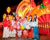 """【网络中国节·春节】""""就地过年""""带火泉城假日文旅市场"""