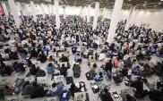直击艺考:6500名考生同挥笔共追梦 场面十分壮观