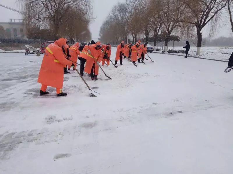 最新天气预报丨别等了,这场雪下到别人家了!朋友圈已挡不住济南小伙伴对雪的吐槽……