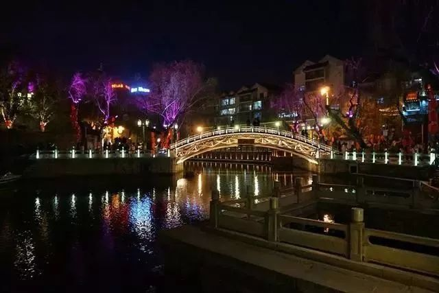 让我带您在济南的夜里走走,我猜您从未见过这样的TA~ - 舜网 - 88279b0d6edc482c867c898b708d8aaf.jpeg