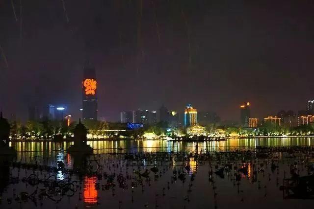 让我带您在济南的夜里走走,我猜您从未见过这样的TA~ - 舜网 - f6639c16f874479d83ef2024228ebd06.jpeg