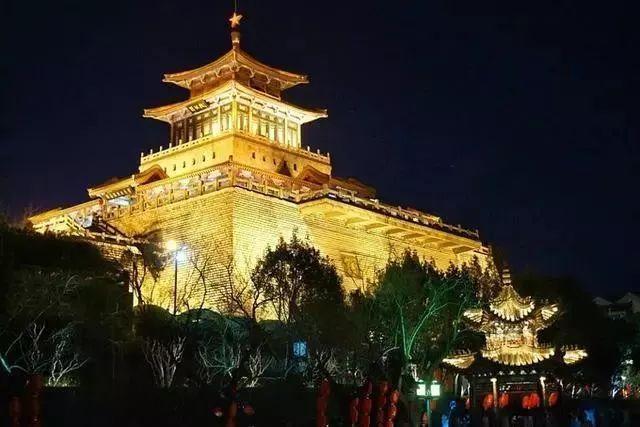 让我带您在济南的夜里走走,我猜您从未见过这样的TA~ - 舜网 - 3d8c255e4ae24690a64293d60a550025.jpeg