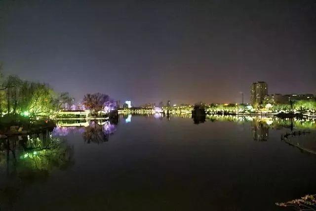 让我带您在济南的夜里走走,我猜您从未见过这样的TA~ - 舜网 - fee16974e719463c9e6b21bec5bcbd6e.jpeg