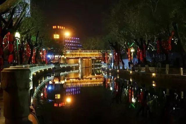 让我带您在济南的夜里走走,我猜您从未见过这样的TA~ - 舜网 - cc092198945d4be280aa89c90e9c15a5.jpeg