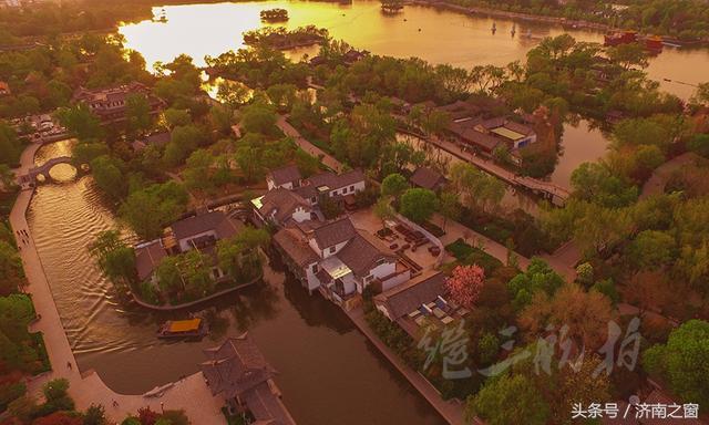 《航拍济南》中国有一座泉水涌出的城市,还有一泓泉水汇聚的水面