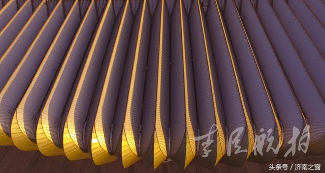 《航拍济南》传说玉皇大帝扔下一枚金戒 今在济南找到了