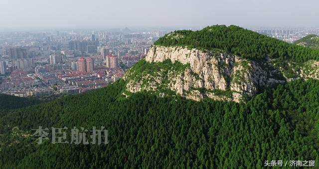 济南有个佛慧山 山上有个大佛头