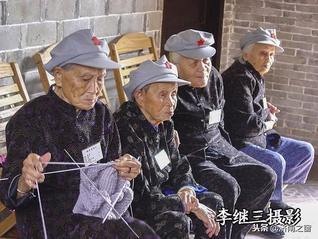摄影作品选登 红色娘子军老战士