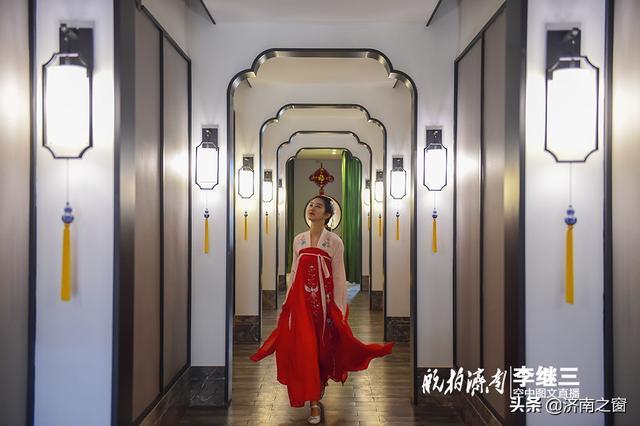 """""""时光隧道""""现周村  旱码头里演""""穿越"""""""