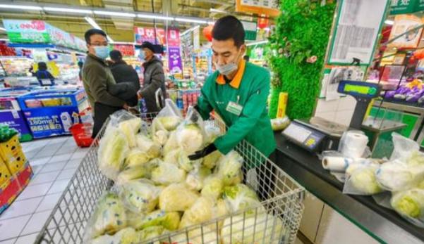 """""""就地过年""""带火泉城春节消费:餐饮市场恢复九成 131.9万人次观影"""