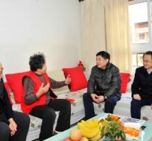 市委常委、组织部部长李刚到我区走访慰问老党员和生活困难党员