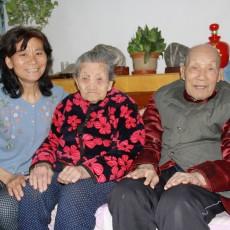 """好媳妇王建华照顾公婆32年如一日:家中不能没有这两位""""镇宅之宝"""""""
