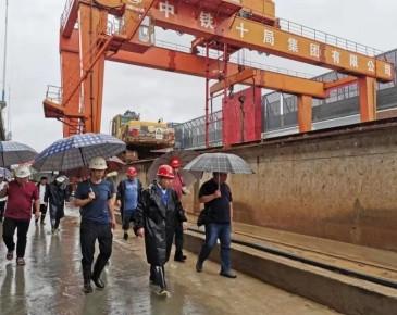 市住房城乡建设局启动防汛一级应急响 全市在建工程全部停工