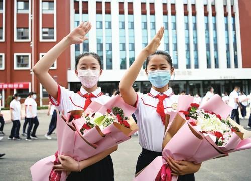 济南市32万余名学子返校复课 归来甚暖 相见尤欢
