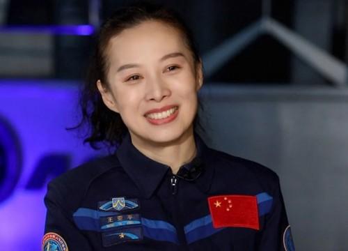 山东姑娘王亚平将成为中国首位出舱女航天员