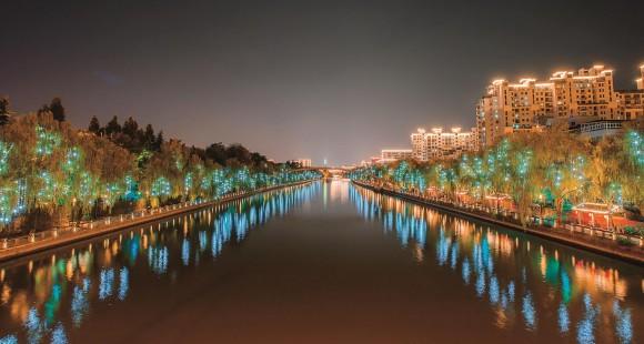 从济南看杭州:一湖灯光背后的城